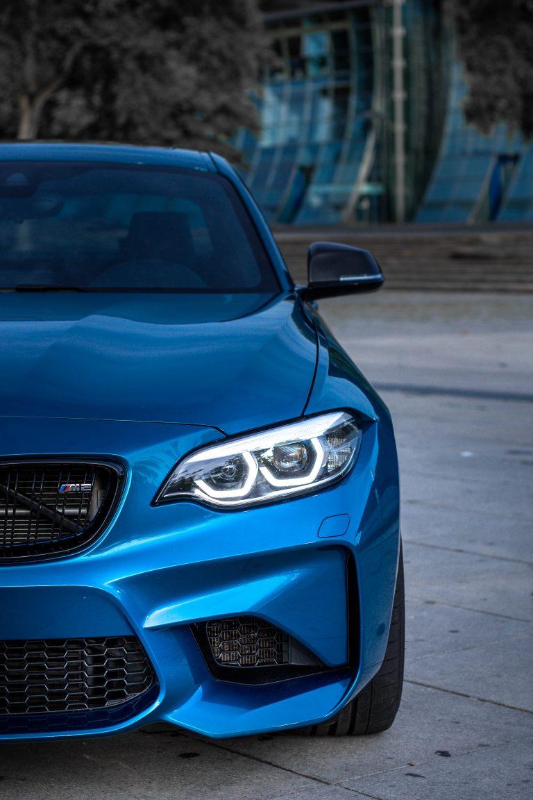 Detailfoto eines blauen BMW M2 Automotive Fotograf Hildesheim Hannover