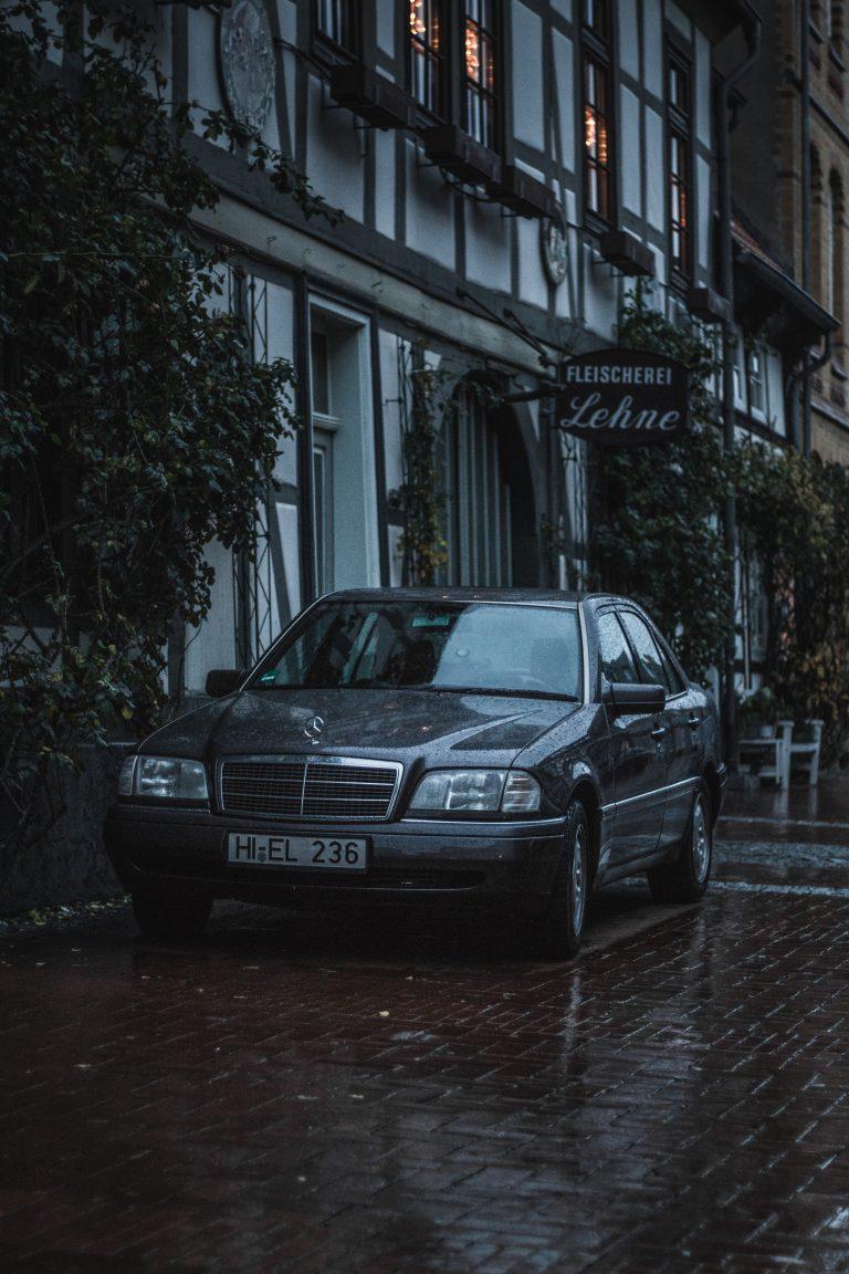 grauer Mercedes-Benz W124 Automotive Fotograf Hannover Hildesheim
