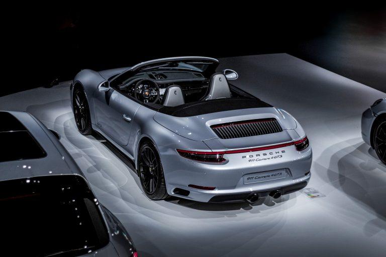 Grauer Porsche 911 Carrera 4 GTS Automotive Fotograf Hannover Hildesheim