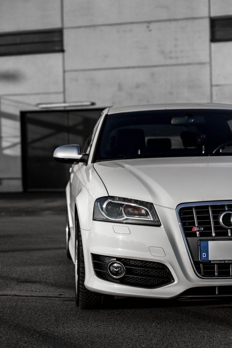 Foto der Front eines weißen Audi S3 Automotive Fotograf Hildesheim