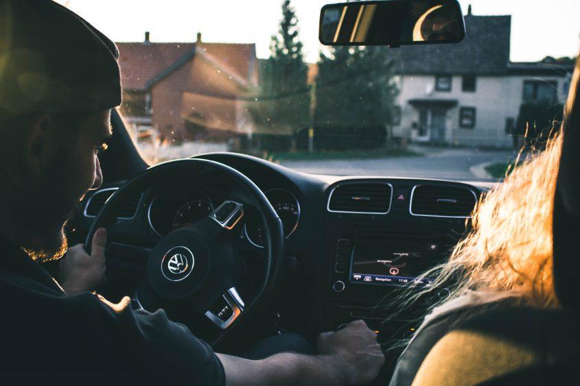 Autofahrt der Sonne entgegen Automotive Fotograf Hannover