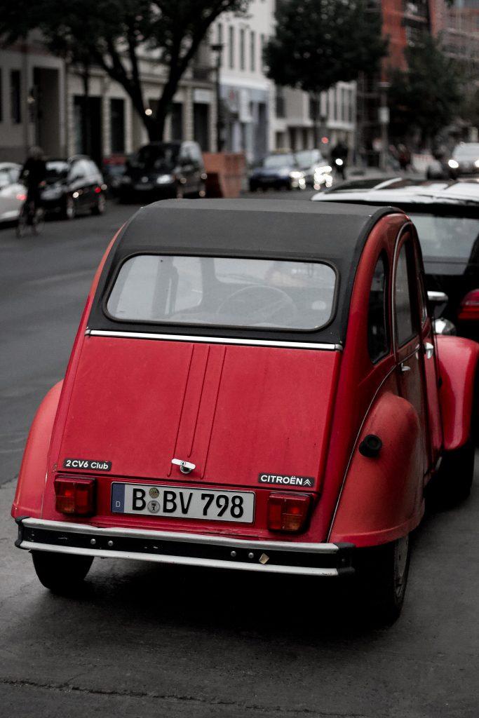 Roter Citroen 2CV Automotive Fotograf Hannover