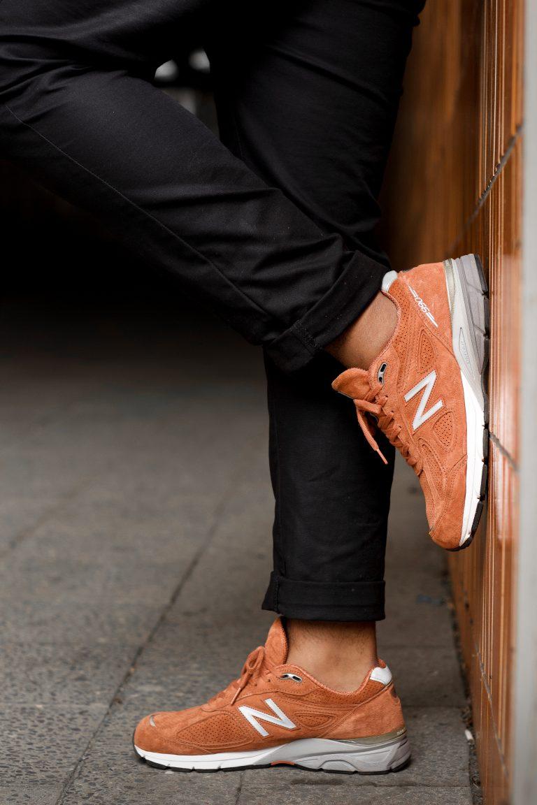 orangener New Balance 990V4 JP4