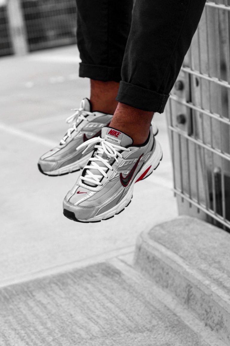 silber Nike Initiator